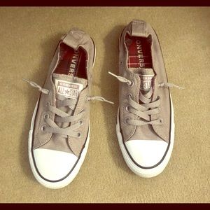 2 pairs of Converse